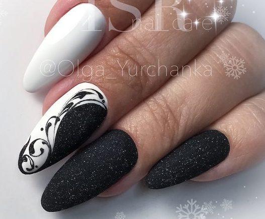 матовые ногти напыление