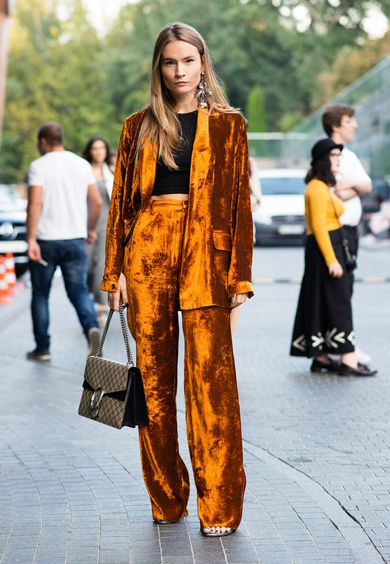 модные брюки 2019 клеш длинные фото велюровые