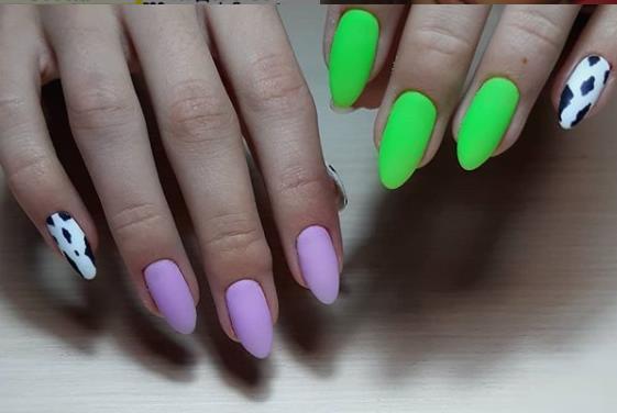 нежный маникюр лиловый с зеленым и пятнышками